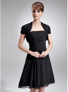 A-Line/Princess Strapless Knee-Length Chiffon Mother of the Bride Dress With Ruffle