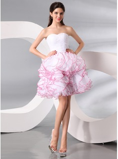 A-Line/Princess Sweetheart Knee-Length Organza Cocktail Dress With Ruffle (016013999)