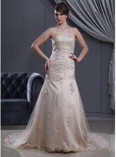 A-Line/Princess Strapless Court Train Satin Tulle Wedding Dress With Lace Beadwork (002012190)