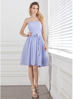 A-Line/Princess Sweetheart Knee-Length Chiffon Charmeuse Bridesmaid Dress With Ruffle Sash (007004304)