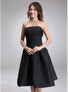 A-Line/Princess Strapless Knee-Length Taffeta Bridesmaid Dress With Ruffle (007001815)