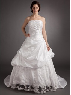 Ball-Gown Strapless Sweep Train Taffeta Lace Wedding Dress With Ruffle Beadwork (002016367)