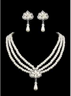 Ivory Pearl Two Piece Mini Heart Ladies Necklace and Earrings Jewelry Set (011005555)