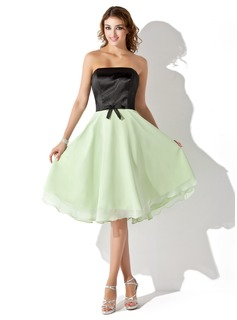 A-Line/Princess Strapless Knee-Length Chiffon Charmeuse Bridesmaid Dress (007001074)
