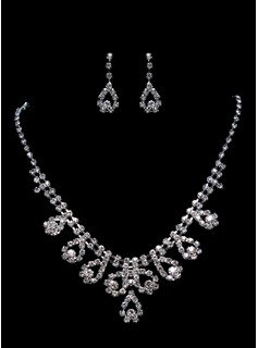 Luxurious Alloy Jewelry Set Including Necklace And Earrings (011015982)