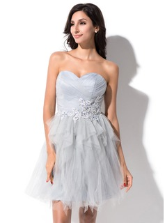 A-Line/Princess Sweetheart Short/Mini Tulle Homecoming Dress With Beading Appliques Cascading Ruffles