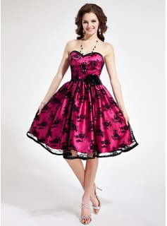 A-Line/Princess Sweetheart Knee-Length Tulle Charmeuse Homecoming Dress With Lace Flower(s) (022019675)