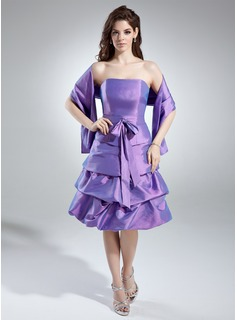 A-Line/Princess Strapless Knee-Length Taffeta Bridesmaid Dress With Ruffle Bow(s)
