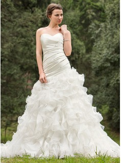 A-Line/Princess Sweetheart Chapel Train Wedding Dress With Ruffle Beadwork Sequins (002024695)