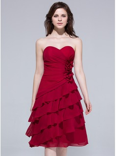 A-Line/Princess Sweetheart Knee-Length Chiffon Bridesmaid Dress With Flower