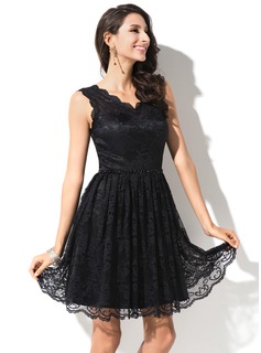 A-Line/Princess V-neck Short/Mini Lace Homecoming Dress With Beading Sequins
