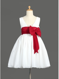 A-Line/Princess Scoop Neck Knee-Length Chiffon Flower Girl Dress With Ruffle Sash (010014600)