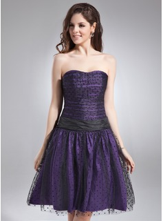 A-Line/Princess Sweetheart Knee-Length Taffeta Tulle Bridesmaid Dress With Ruffle Bow(s)