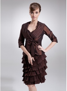 Sheath Sweetheart Knee-Length Taffeta Mother of the Bride Dress With Ruffle (008006088)