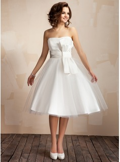 A-Line/Princess Sweetheart Knee-Length Satin Tulle Wedding Dress With Ruffle Bow