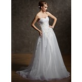 A-Line/Princess Sweetheart Court Train Organza Lace Wedding Dress With Appliques Lace