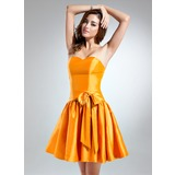 A-Line/Princess Sweetheart Short/Mini Taffeta Bridesmaid Dress With Bow(s)
