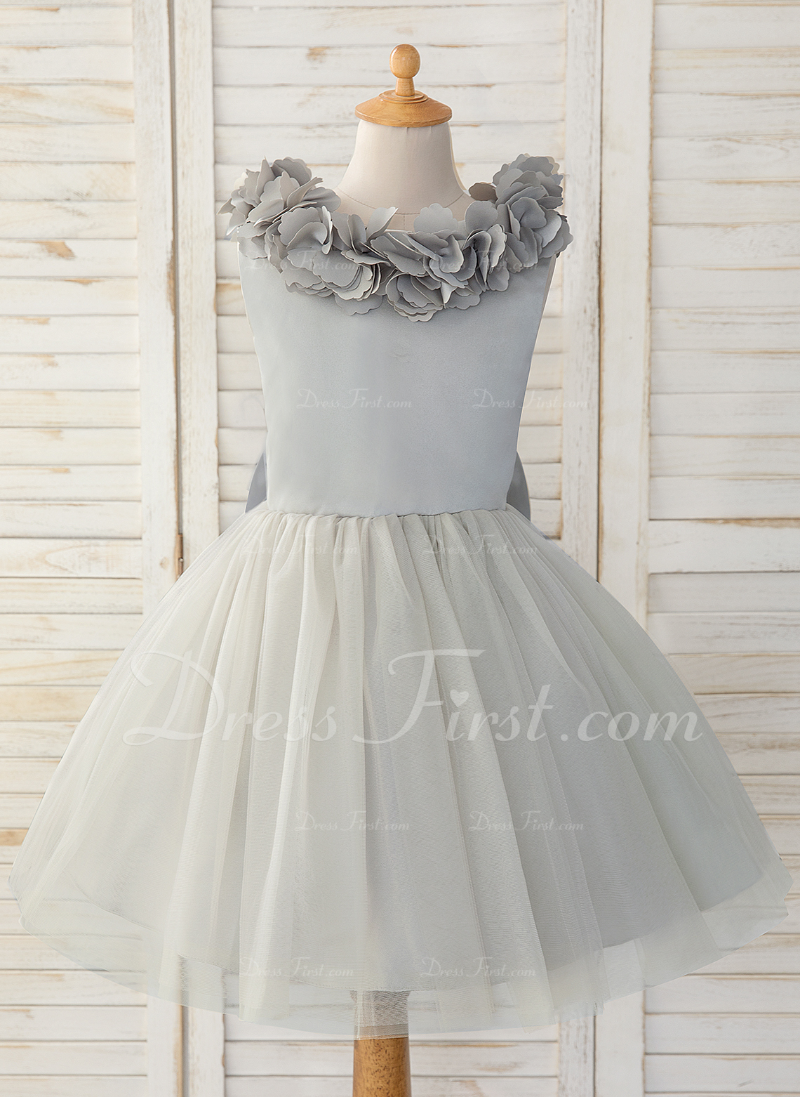A-Line Knee-length Flower Girl Dress - Satin/Tulle Sleeveless Scoop Neck With Bow(s)/Back Hole