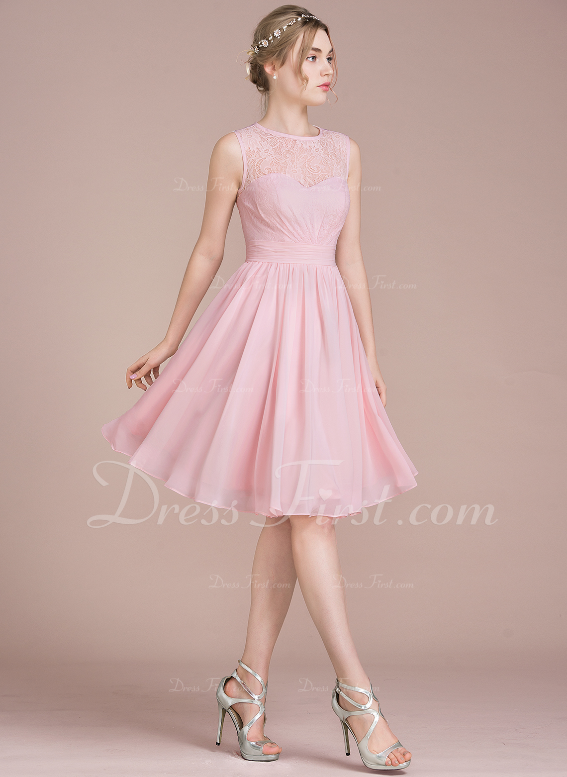A-Line/Princess Scoop Neck Knee-Length Chiffon Lace Bridesmaid Dress ...