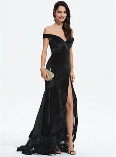 Trumpet/Mermaid Off-the-Shoulder Sweep Train Velvet Prom Dresses With Cascading Ruffles