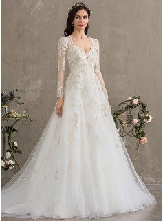Ball-Gown/Princess Sweetheart Court Train Tulle Wedding Dress With Sequins