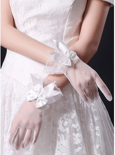 Lace Wrist Length Bridal Gloves With Bow