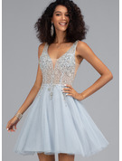 A-Line V-neck Short/Mini Tulle Homecoming Dress With Beading