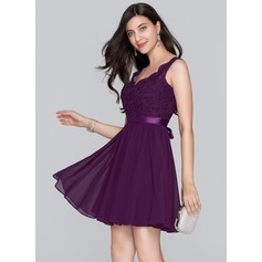 A-Line/Princess V-neck Short/Mini Chiffon Homecoming Dress With Bow(s) (022124860)