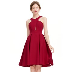 A-Line/Princess V-neck Knee-Length Satin Cocktail Dress (016134489)