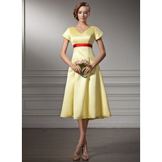 A-Line/Princess V-neck Knee-Length Satin Bridesmaid Dress With Sash Bow(s)