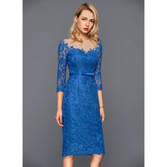 Sheath/Column Scoop Neck Knee-Length Lace Cocktail Dress With Bow(s) (016140398)