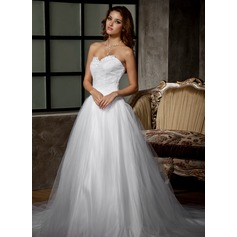 Ball-Gown Sweetheart Chapel Train Tulle Wedding Dress With Ruffle Lace Beading