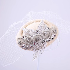 Elegante Strass/Tule Fascinators
