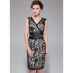 Sheath/Column V-neck Knee-Length Charmeuse Lace Cocktail Dress (007037276)
