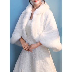 Faux Fur Wedding Wrap (013137421)
