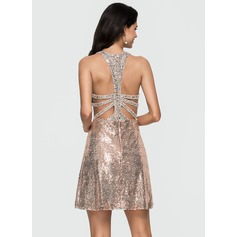 A-Line/Princess Scoop Neck Short/Mini Sequined Homecoming Dress With Beading (022164898)