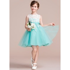 A-Line/Princess Knee-length Flower Girl Dress - Tulle/Lace Sleeveless Scoop Neck With Sash/V Back (010106123)