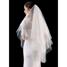 Four-tier Cut Edge/Lace Applique Edge Fingertip Bridal Veils With Lace