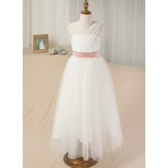 Floor-length - Tulle/Charmeuse/Lace Sleeveless Halter With Sash