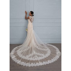 Sheath/Column V-neck Royal Train Lace Wedding Dress