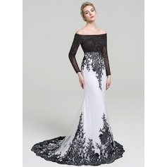 Trumpet/Mermaid Off-the-Shoulder Court Train Tulle Lace Evening Dress