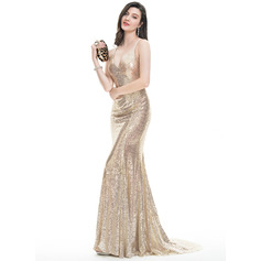 Trumpet/Mermaid V-neck Sweep Train Sequined Prom Dress With Sequins (018105680)