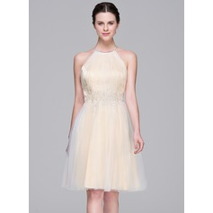 A-Line/Princess Halter Knee-Length Tulle Wedding Dress With Ruffle Beading Appliques Lace Sequins