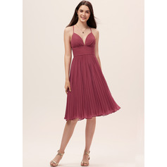 A-Line Sweetheart Knee-Length Chiffon Cocktail Dress With Pleated