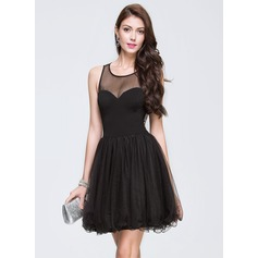 A-Line/Princess Scoop Neck Short/Mini Tulle Homecoming Dress With Beading Sequins (022089709)
