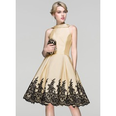A-Line/Princess Scoop Neck Knee-Length Taffeta Lace Cocktail Dress With Sequins (016094374)