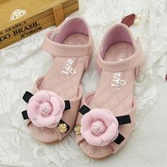 Flicka Peep Toe Microfiber läder platt Heel Sandaler Platta Skor / Fritidsskor Flower Girl Shoes med Kardborre Blomma