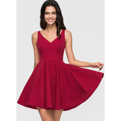 A-Line/Princess V-neck Short/Mini Stretch Crepe Homecoming Dress