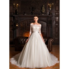 Ball-Gown Off-the-Shoulder Court Train Tulle Lace Wedding Dress