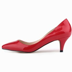 Vrouwen Patent Leather Kitten Hak Pumps Closed Toe schoenen (085059021)